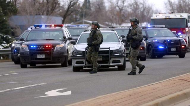 В США мужчина устроил стрельбу в супермаркете: один человек погиб, 12 ранены