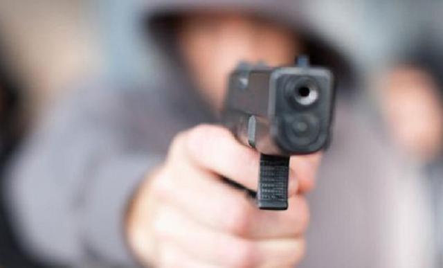 В суде в Дели бандиты, переодетые у юристов, устроили стрельбу: есть жертвы
