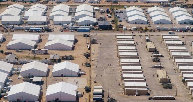 Эвакуированные афганские беженцы напали на военнослужащую в США