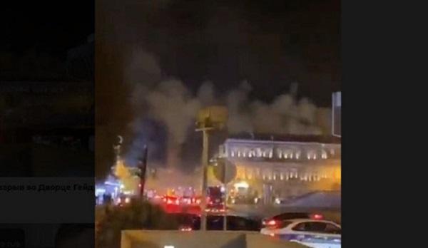 В Баку раздался взрыв у Дворца имени Гейдара Алиева