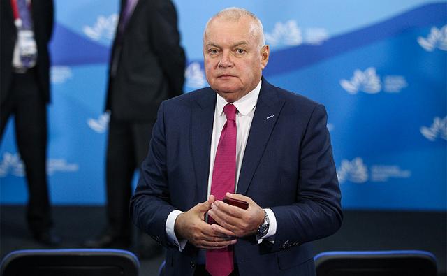 Поборовший COVID-19 российский телеведущий Киселев раскритиковал противников вакцин