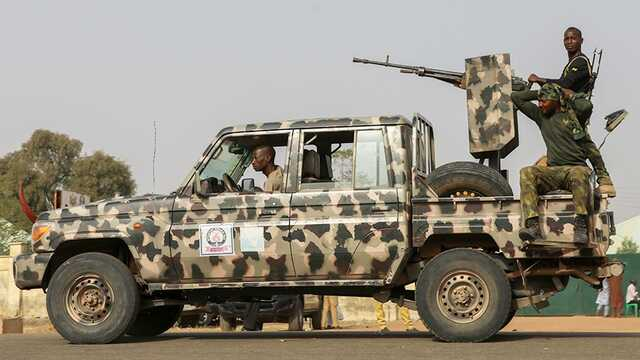 В Нигерии боевики напали на деревню и убили десятки людей
