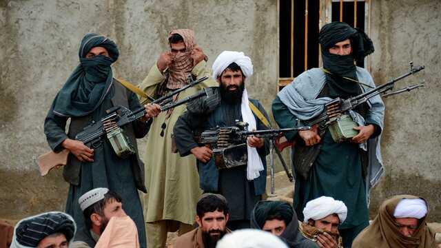 Талибам запретили делать селфи и носить белые кроссовки