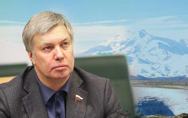 По Восхождение на Эльбрус обернулось скандалом для ульяновского губернатора Алексея Русских