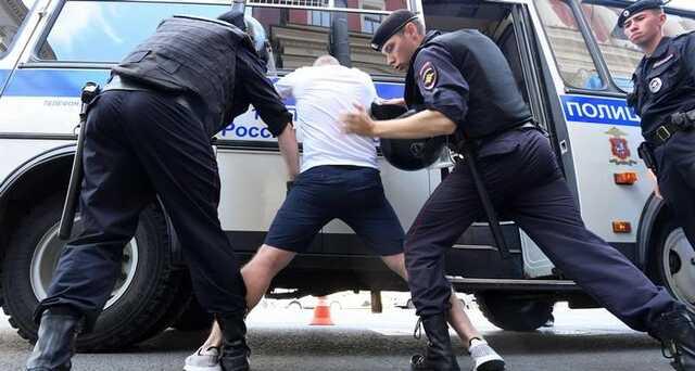 Российский полицейский требовал 20 тысяч рублей за прекращение избиений