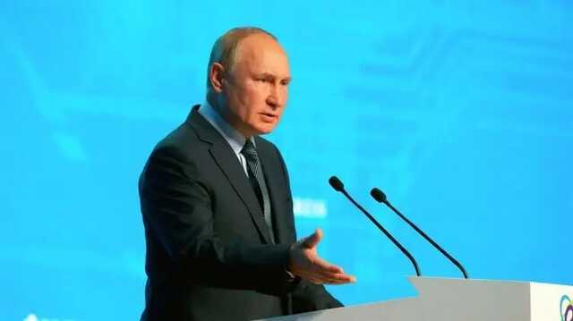 Путин объяснил, почему он не заразился коронавирусом после вспышки в своем окружении