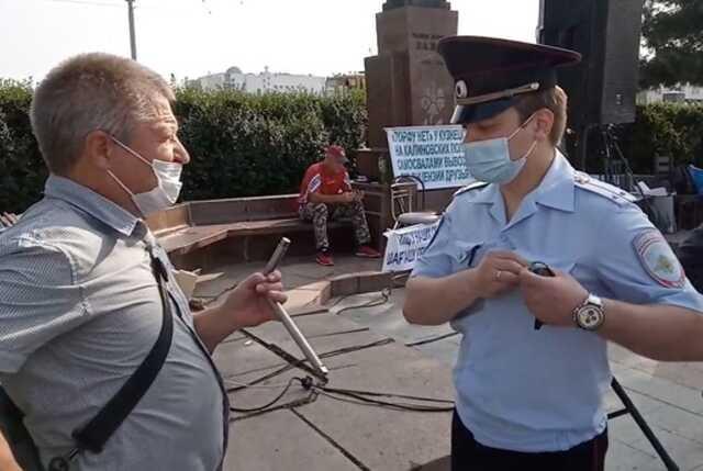 В Екатеринбурге участника митинга против логоцентра оштрафовали из-за гаечного ключа